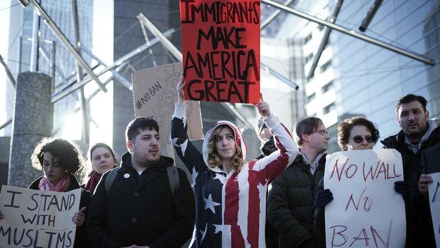 Im Jänner sorgte der Einreisestopp für Proteste. (Bild: Associated Press)