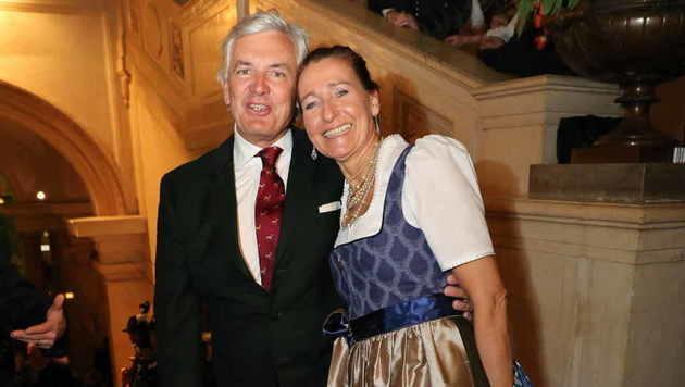 Pflichttermin für Ronnie Leitgeb und Bettina Steigenberger (Bild: Starpix/ Alexander TUMA)