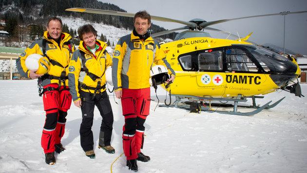 Der Bergretter, Flugretter und Polizist Matthäus Pernkopf (li.) barg mit Kollegen den Verunglückten. (Bild: Jack Haijes)