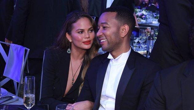 Model Chrissy Teigen und Musikerehemann John Legend bei den SAG-Awards in Los Angeles. (Bild: ©2017 SAG-AFTRA)