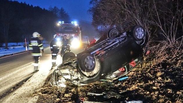 Blitzeis: Unfallserie auf spiegelglatten Straßen (Bild: Einsatzdoku.at)