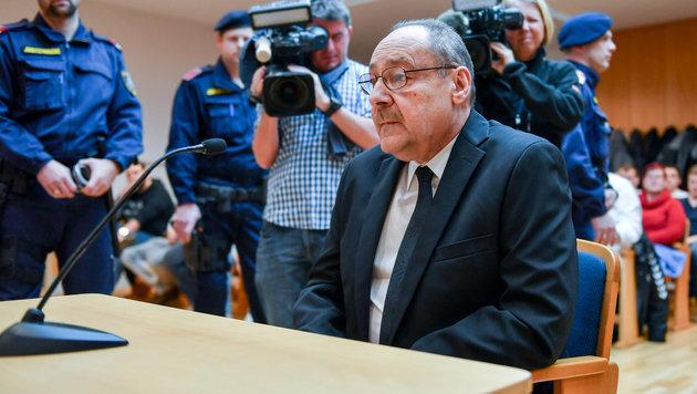 Josef F. auf der Anklagebank (Bild: Harald Dostal)