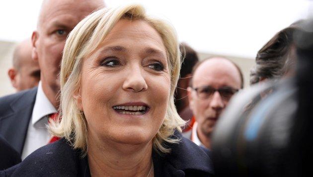 Le Pen will 298.000 Euro nicht an EU zurückzahlen (Bild: AFP/Eric Piermont)