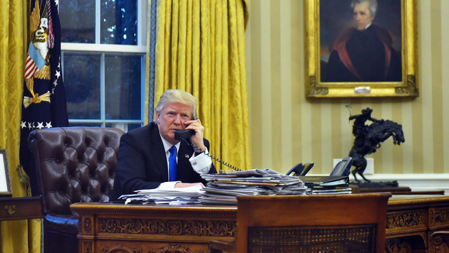 Donald Trump im Oval Office (Bild: AFP)