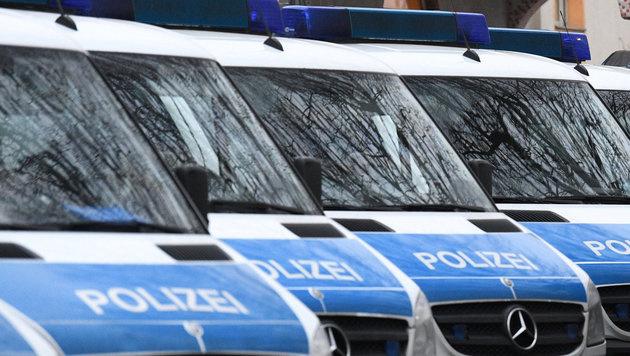 """Deutschland: """"Blitzer"""" geteert und gefedert (Bild: APA/dpa/Boris Roessler)"""