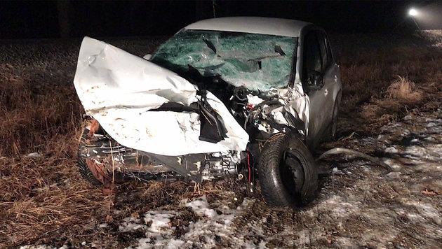 Zug erfasst Auto frontal - 66-Jähriger tot (Bild: Christian Schulter)