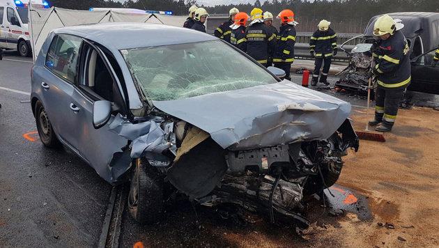 """Geisterfahrer-Crash: Toter auf der """"Süd"""" (Bild: APA/EINSATZDOKU/LECHNER)"""
