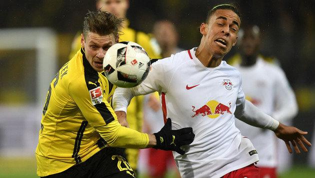 Borussia Dortmund nimmt RB Leipzig auf die Hörner! (Bild: Associated Press)