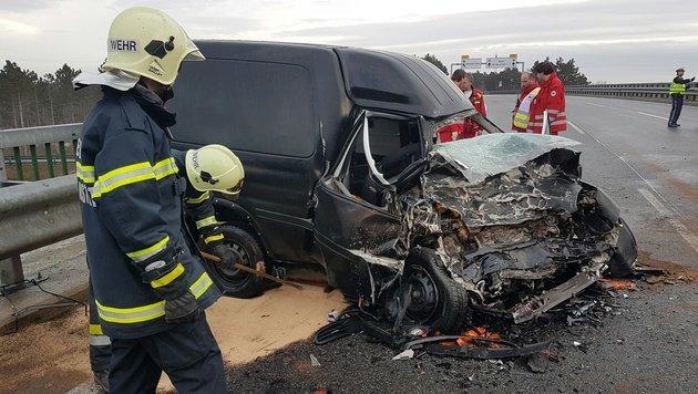 """Geisterfahrer-Crash: Toter auf der """"Süd"""" (Bild: Einsatzdoku.at)"""