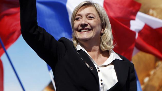 Marine Le Pen poltert gegen Ausländer und EU (Bild: AFP)