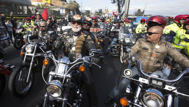 Guatemala: Mehr als 40.000 Pilger auf Bikes (Bild: AP)
