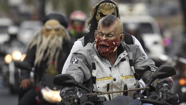 Guatemala: Mehr als 40.000 Pilger auf Bikes (Bild: AFP)