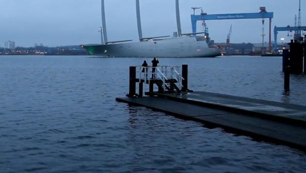 D: Größte Segeljacht der Welt sticht in See (Bild: YouTube.com)