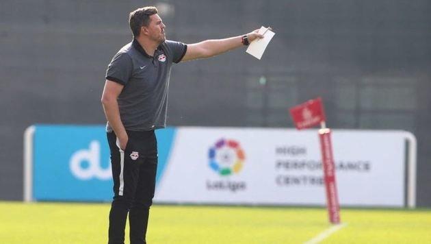 Trainer Oscar ist überzeugt, dass vier Teams Titel-Chancen haben, die Entscheidung spät fallen wird. (Bild: GEPA/Red Bull)
