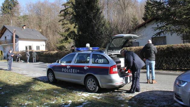 Auf diesem Weg wurde in einer Grundstückseinfahrt die Leiche des Frühpensionisten entdeckt. (Bild: Christian Jauschowetz)