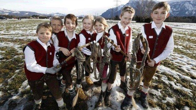 Die Walser Schnalzer Jugend war mit ihrer Performance zufrieden. (Bild: Markus Tschepp)