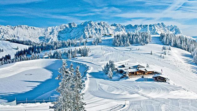 Endlose, breite Pisten und ein atemberaubendes Panorama. (Bild: Ferienregion Wilder Kaiser)