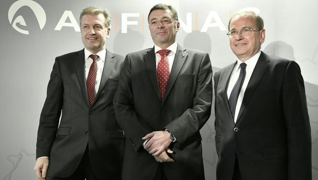 Asfinag-Vorstand Klaus Schierhackl, BM Jörg Leichtfried und Asfinag-Vorstand Alois Schedl (v.l.n.r.) (Bild: APA/HANS KLAUS TECHT)