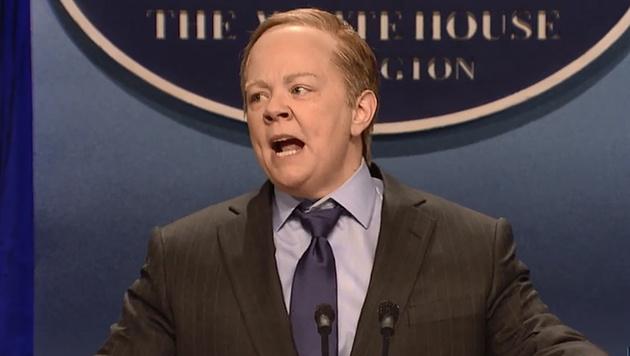 Melissa McCarthy verspottet Trump-Sprecher Spicer (Bild: youtube.com)