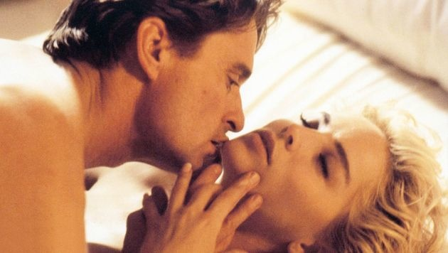 """Michael Douglas und Sharon Stone in """"Basic Instinct"""" (Bild: Viennareport)"""
