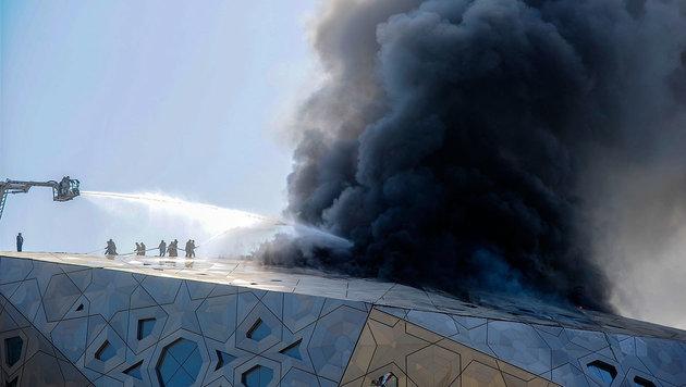 Neues Opernhaus in Kuwait-Stadt stand in Flammen (Bild: Associated Press)