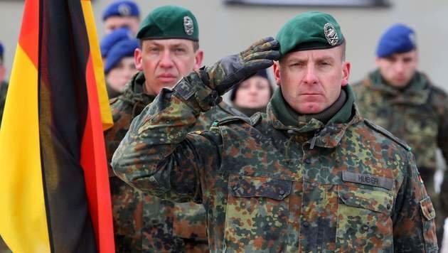 Kommandant Christoph Huber führt das NATO-Bataillon in Litauen an. (Bild: AFP)