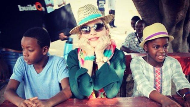 2008 adoptierte Madonna ihre beiden malawischen Kinder David und Mercy. (Bild: face to face)