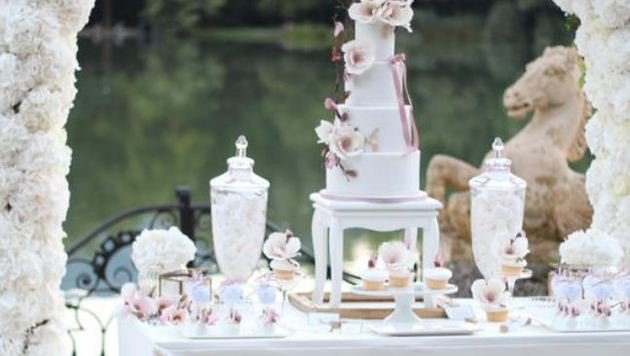 Platz 1 für Magnolien-Torte samt Sweet Table bei Wedding Award (Bild: Cake Couture)