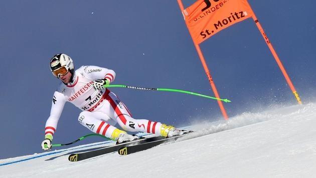 Halswirbel! Die Ski-WM hat ihr erstes Sturz-Opfer (Bild: APA/HELMUT FOHRINGER)
