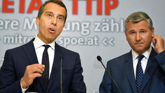 SPÖ-Chef Christian Kern und Parteimanager Georg Niedermühlbichler (Bild: APA/Roland Schlager)