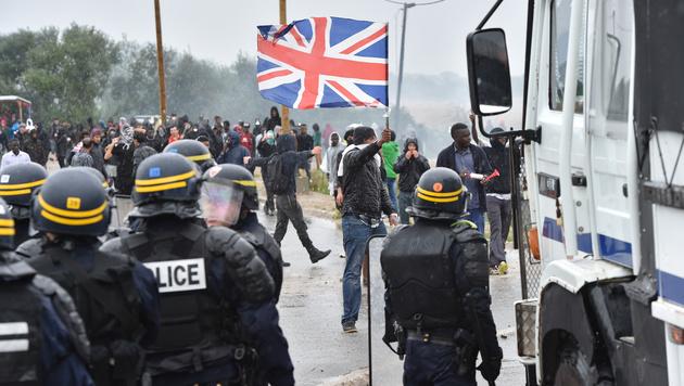 Diese Flüchtlinge wollen Asyl in Großbritannien. (Bild: AFP)