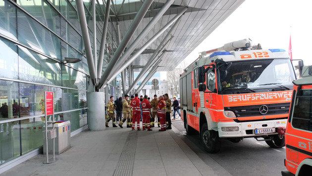 Rettung und Feuerwehr am Einsatzort (Bild: Horst Einöder)