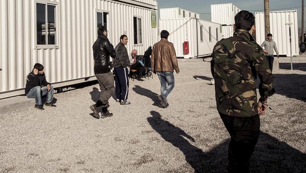 Ungarn nimmt Flüchtlingen die Bewegungsfreiheit (Bild: AFP)
