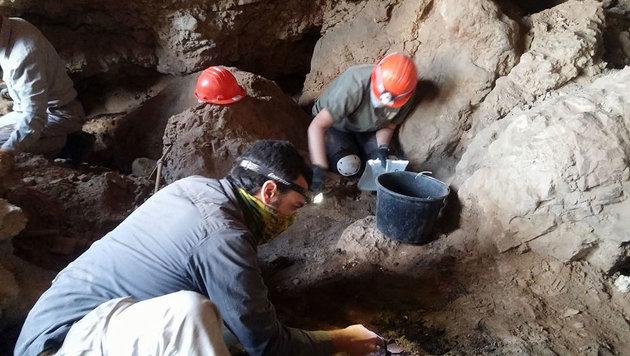Weitere Schriftrollen-Höhle in Qumran entdeckt (Bild: Hebrew University/Casey L. Olson & Oren Gutfeld)
