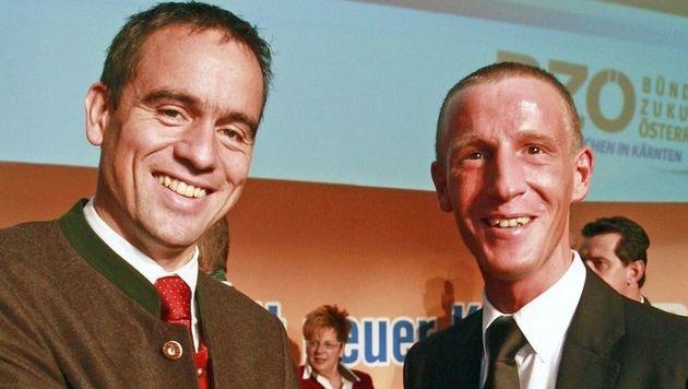 Parteitag des BZÖ Kärnten 2008: Da war die Welt zwischen Scheuch und Petzner noch in Ordnung. (Bild: APA/GERT EGGENBERGER)