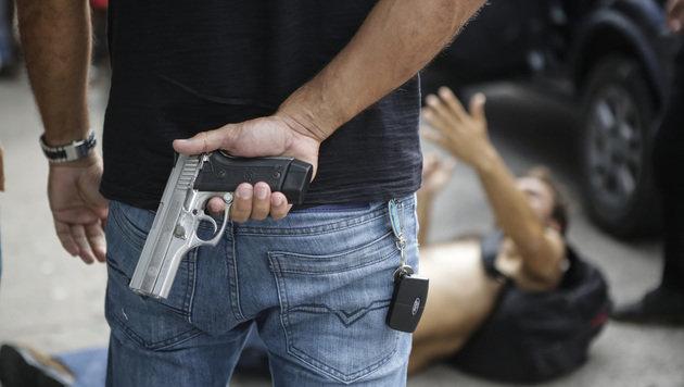Polizeistreik in Brasilien: Gewalt eskaliert (Bild: ASSOCIATED PRESS)