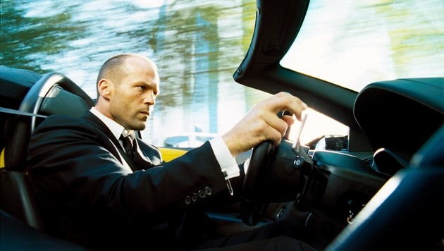 """Jason Statham in """"The Transporter"""" (Bild: Moviestore Collection/face to face)"""