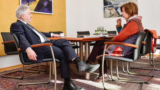 """Pühringer im """"Krone""""-Gespräch mit Conny Bischofberger (Bild: Markus Wenzel)"""