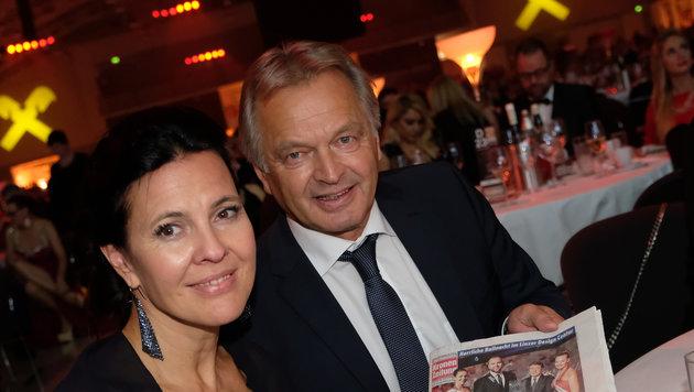 ÖSV-Zampano Hans Pum, der die Ball-Nacht der Krone mit seiner Ehefrau Gabi genoss. (Bild: Kronen Zeitung/ Chris Koller)