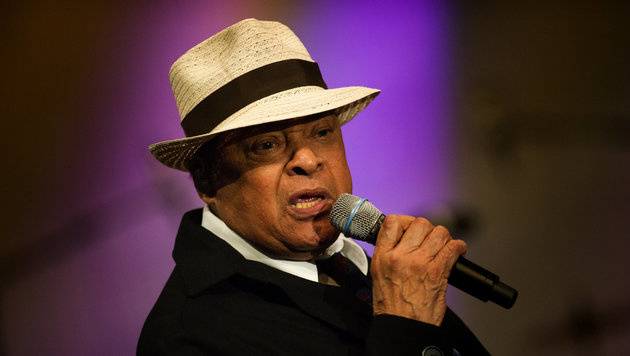 Siebenfacher Grammy-Gewinner Al Jarreau ist tot (Bild: APA/dpa-Zentralbild/Arno Burgi)