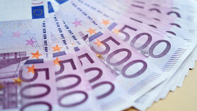 270.000 Euro in Grazer Kellerabteil entdeckt (Bild: APA/BARBARA GINDL (Symbolbild))