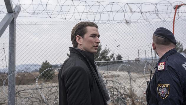 Sebastian Kurz an der mazedonisch-griechischen Grenze (Bild: AFP)