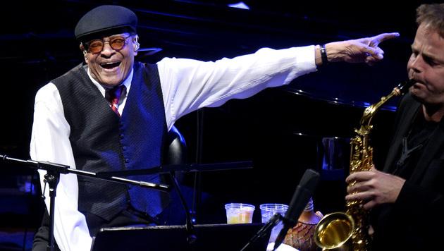 Siebenfacher Grammy-Gewinner Al Jarreau ist tot (Bild: APA/HERBERT PFARRHOFER)