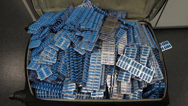 Inder schmuggelte Tabletten nach Österreich (Bild: APA/BMF)