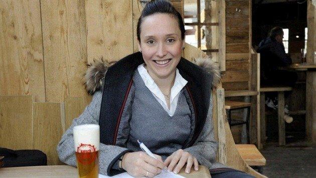 Katharina Hofmayer, Chefin des Hotel Lärchenhof am Katschberg, unterschrieb als eine der Ersten. (Bild: Roland Holitzky)