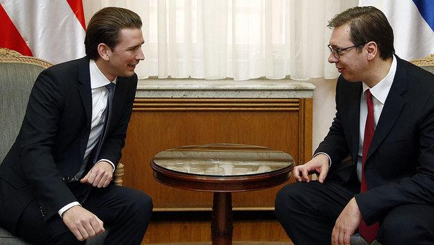 Außenminister Kurz im Gespräch mit Ministerpräsident Vucic (Bild: APA/AUSSENMINISTERIUM/DRAGAN TATIC)
