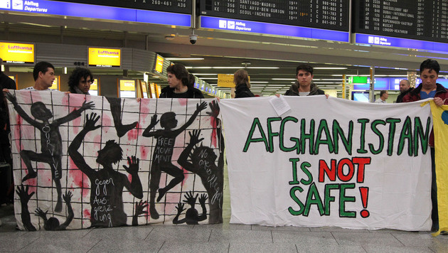 Kundgebung am Flughafen Frankfurt am Main (Bild: AFP)
