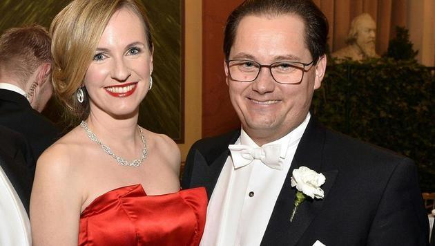 Maria Großbauer und ihr Mann Philharmoniker-Chef Gerald Großbauer (Bild: APA/HERBERT PFARRHOFER)