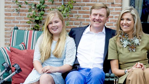 Prinzessin Amalia mit ihren Eltern König Willem-Alexander und Königin Maxima (Bild: Viennareport)