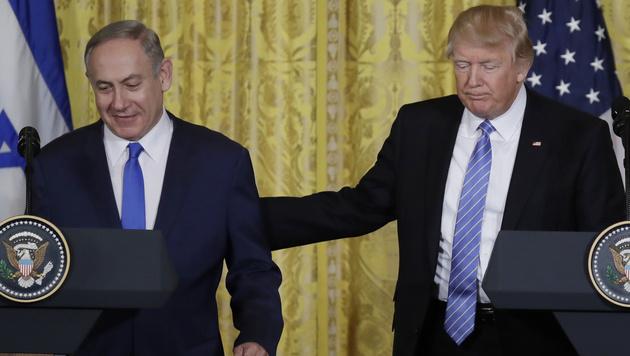 Benjamin Netanyahu und Donald Trump (Bild: AP)